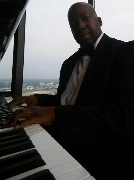 KEN THE PIANIST   (Ken Davis) - Pianist - Hebron, KY