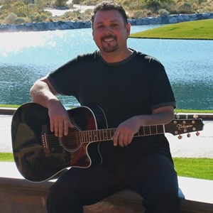 New River Acoustic Guitarist | Rusty Nunez