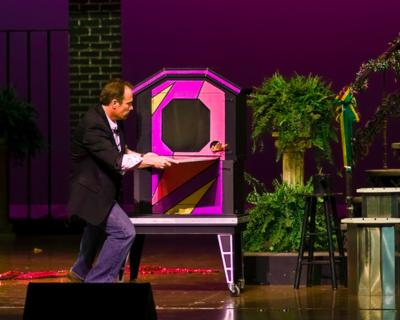 Don Baggett's Wild & Wacky World of Magic | Evansville, IN | Magician | Photo #6
