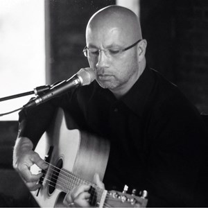 West Jefferson Acoustic Guitarist | Kevin Arvin
