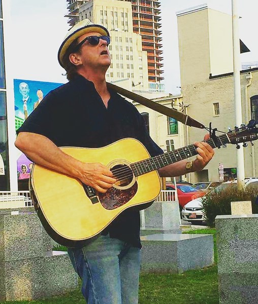Glenn Jones - Rock Acoustic Guitarist - Chapel Hill, NC