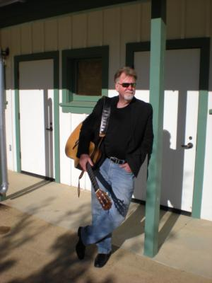 Les Farrington | Pleasanton, CA | Acoustic Guitar | Photo #12