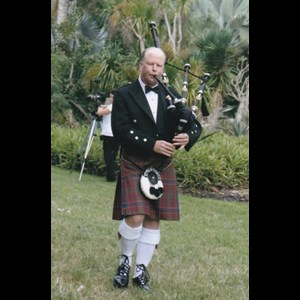 Greenville Bagpiper | Gordon Warburton