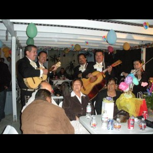 Stevenson Ranch Wedding Band | Mariachi Fiesta En Jalisco