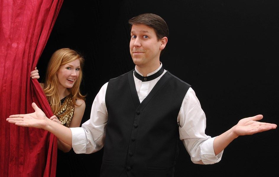Corporate Comedian Magician... Mark Robinson - Clean Comedian - Cincinnati, OH