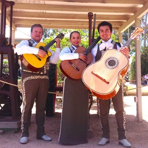 Sequoia National Park Mariachi Band | Los Salazar