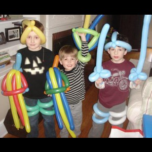 Norwalk Balloon Twister | SuperNovA