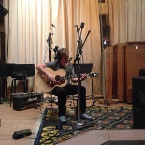 Commack Acoustic Guitarist | Seth Thomas Rosenberg