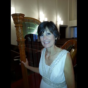 Garland Harpist | Maia Wright Jourde