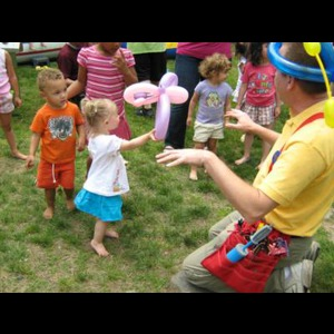 Milton Balloon Twister | Kids Party Balloonists