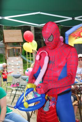 Kids Party Balloonists | Weymouth, MA | Balloon Twister | Photo #2