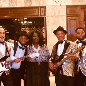 Montgomery, AL Cover Band | Estactic Band