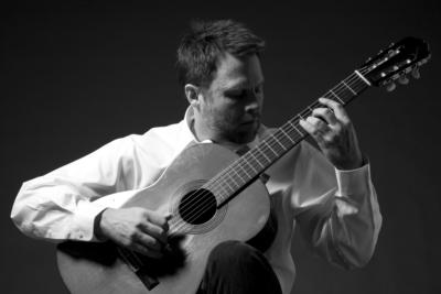 Neil Dixon Smith | Chicago, IL | Classical Guitar | Photo #12