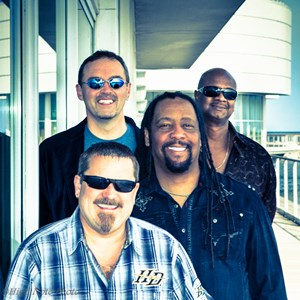 Lac du Flambeau 90s Band | Rhythm Kings
