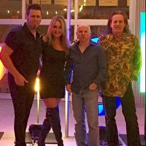 Elk Grove Cover Band | Rolling Heads