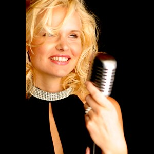 Duck Creek Village Jazz Singer | Nicolette