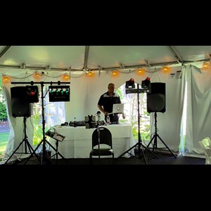 Beaverton Wedding DJ | SOUNDZ LIVE! MOBILE DJ ENTERTAINMENT