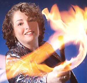 Palmerdale Magician | Corporate Magician & Keynote Speaker Debbie Leifer