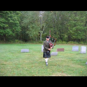 Bennington Bagpiper | Chris Paul