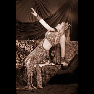 Middlebury Belly Dancer | Ayperi-Alizarin