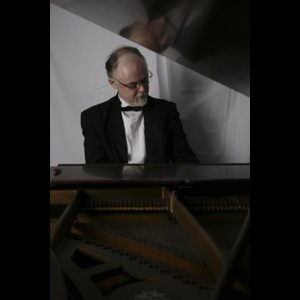 Asheville Jazz Pianist | Mike Benjamin