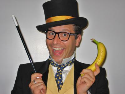 Banana Peel The Magnificent | New York, NY | Magician | Photo #1