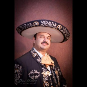 Grand Rapids Wedding Singer | Gabriel Estrada III