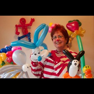 Bethlehem, PA Balloon Twister | Jolly Holly The Balloon Twister