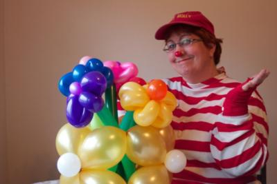 Jolly Holly The Balloon Twister | Bethlehem, PA | Balloon Twister | Photo #2