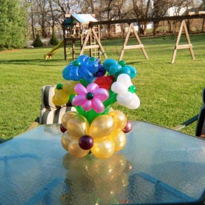 Jolly Holly The Balloon Twister | Bethlehem, PA | Balloon Twister | Photo #3
