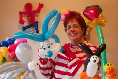 Jolly Holly The Balloon Twister | Bethlehem, PA | Balloon Twister | Photo #1