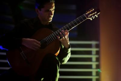 Tavi Jinariu, Los Angeles Classical Guitarist | Los Angeles, CA | Classical Guitar | Photo #7