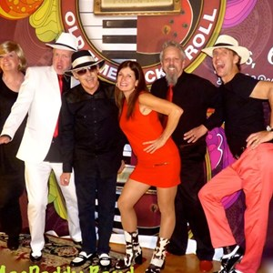 White Swan 50s Band | The MacDaddy Band