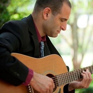 Menard Acoustic Guitarist | Doug Anthony - Guitarist