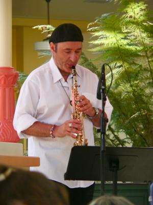 Leo Chelyapov | Los Angeles, CA | Jazz One Man Band | Photo #1