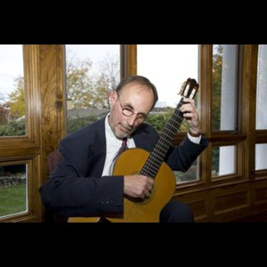 Boston Classical Guitarist | Louis Arnold