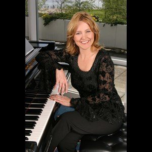 Humphrey Pianist | Kimberly Krohn