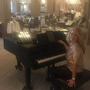 Austin, TX Singing Pianist | Kimberly Krohn