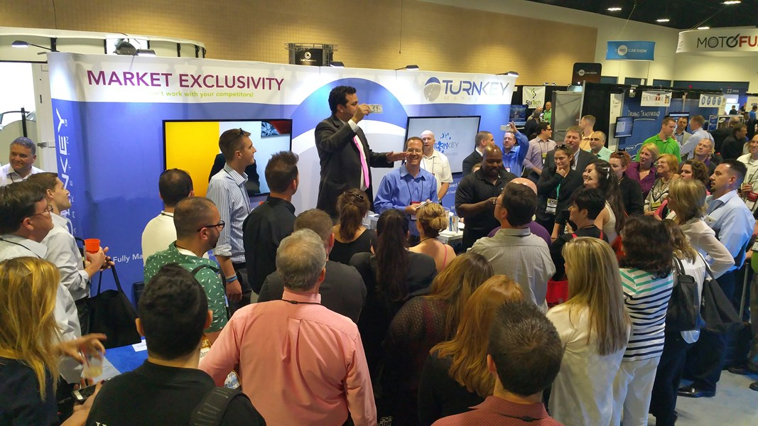 tradeshow infotainer draws crowds
