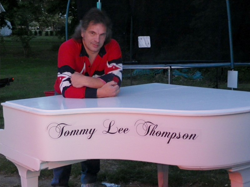 Tommy Lee Thompson - 70's Hits Keyboardist - Clinton, OH