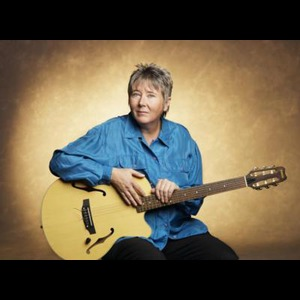 Moose Acoustic Guitarist | Laurie Dameron