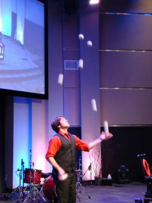Juggler Josh Horton | Los Angeles, CA | Juggler | Photo #8