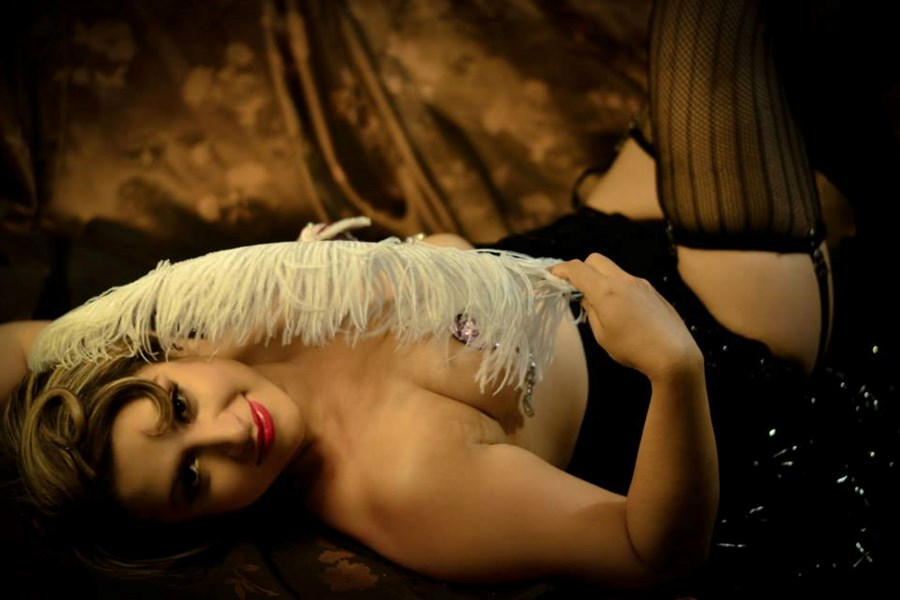 Yasmine Vine! Burlesque,Cabaret Dancer & Singer - Cabaret Dancer - Hollywood, CA