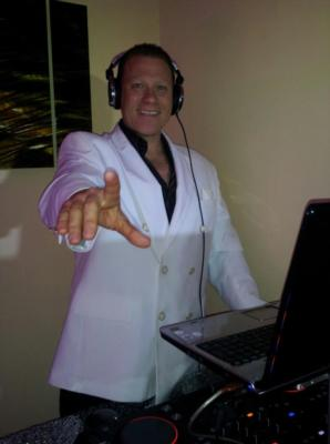 Entertainment Makers Event Planning | Nutley, NJ | Party DJ | Photo #24