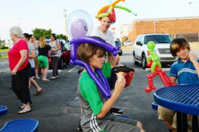 Balloon Dude Travis | Lynchburg, VA | Balloon Twister | Photo #18