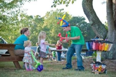 Balloon Dude Travis | Lynchburg, VA | Balloon Twister | Photo #6