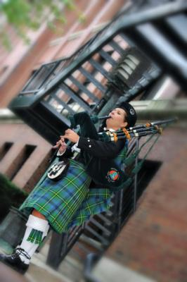 Kim Montgomery Johnson | Troy, MI | Bagpipes | Photo #2