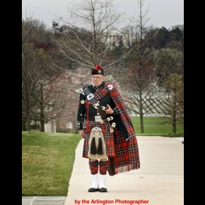 Lynch Bagpiper | Norm Weaver - Piper