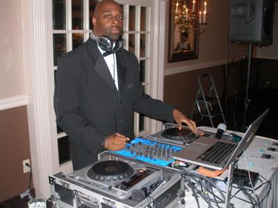 Dj Barry Blends | Brooklyn, NY | Event DJ | Photo #4