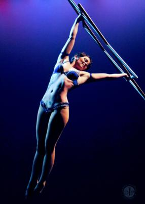 Sadie Hawkins | Atlanta, GA | Circus Act | Photo #2